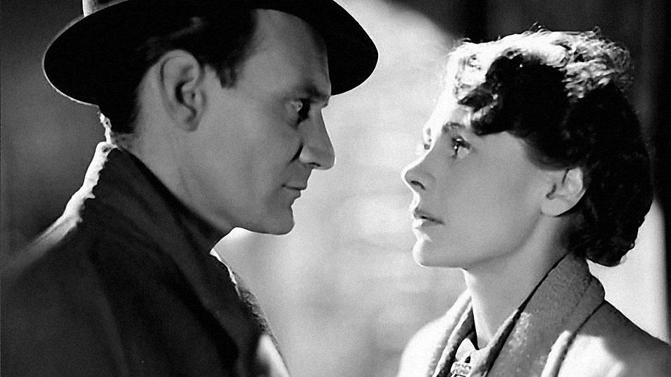 an examination of the film the brief encounter Brief encounter trailer returning home from a shopping trip to a nearby town, bored suburban housewife laura jesson is thrown by happenstance into an acquaintance with virtuous doctor alec harvey.